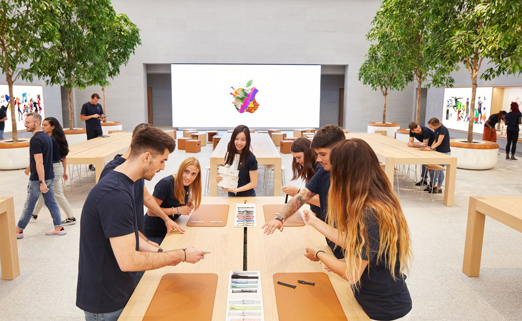 apple piazza liberty foster milano